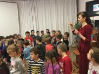 В гостях у ребят побывал Музейка и рассказал детям об истории создания Симферопольского художественного музея